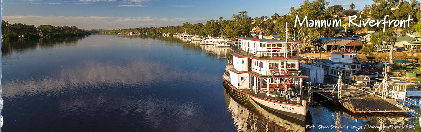PS Marion and Mannum Riverfront - Shane Strudwick Images
